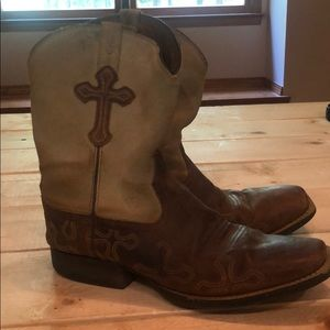 Rodeo boots (horse riding boots)